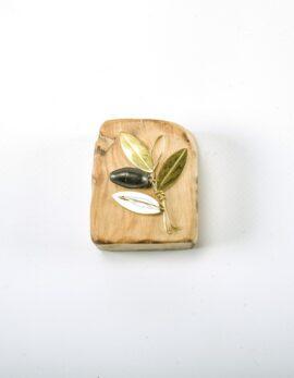 Handmade gift bronze presspapier in wood.